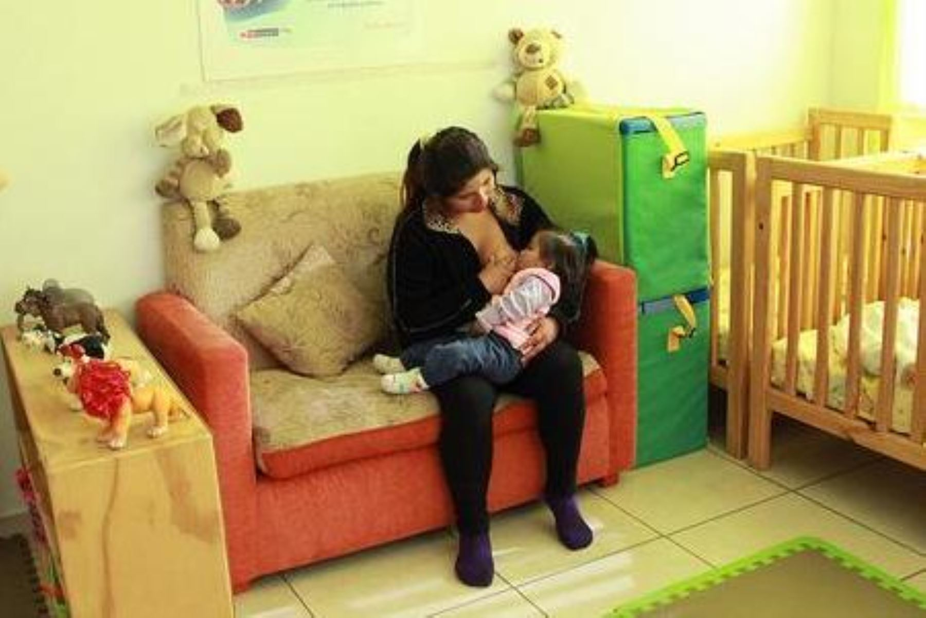 Implementan más de 2 mil espacios de lactancia materna en locales de Cuna Más. Foto: ANDINA/Difusión.