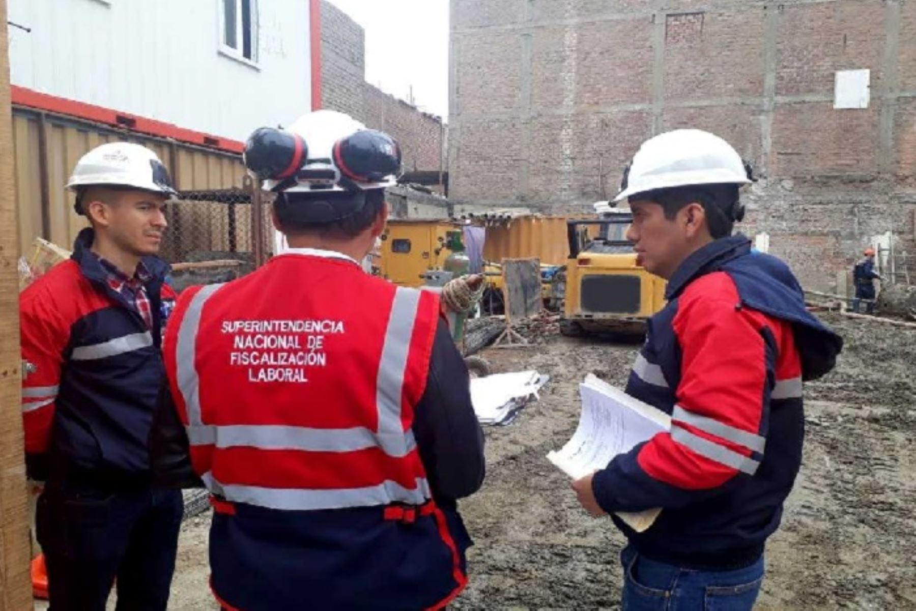 Inspectores fiscalizaron la seguridad y salud en el trabajo en empresas de distintos rubros para reducir la incidencia de accidentes de trabajo.