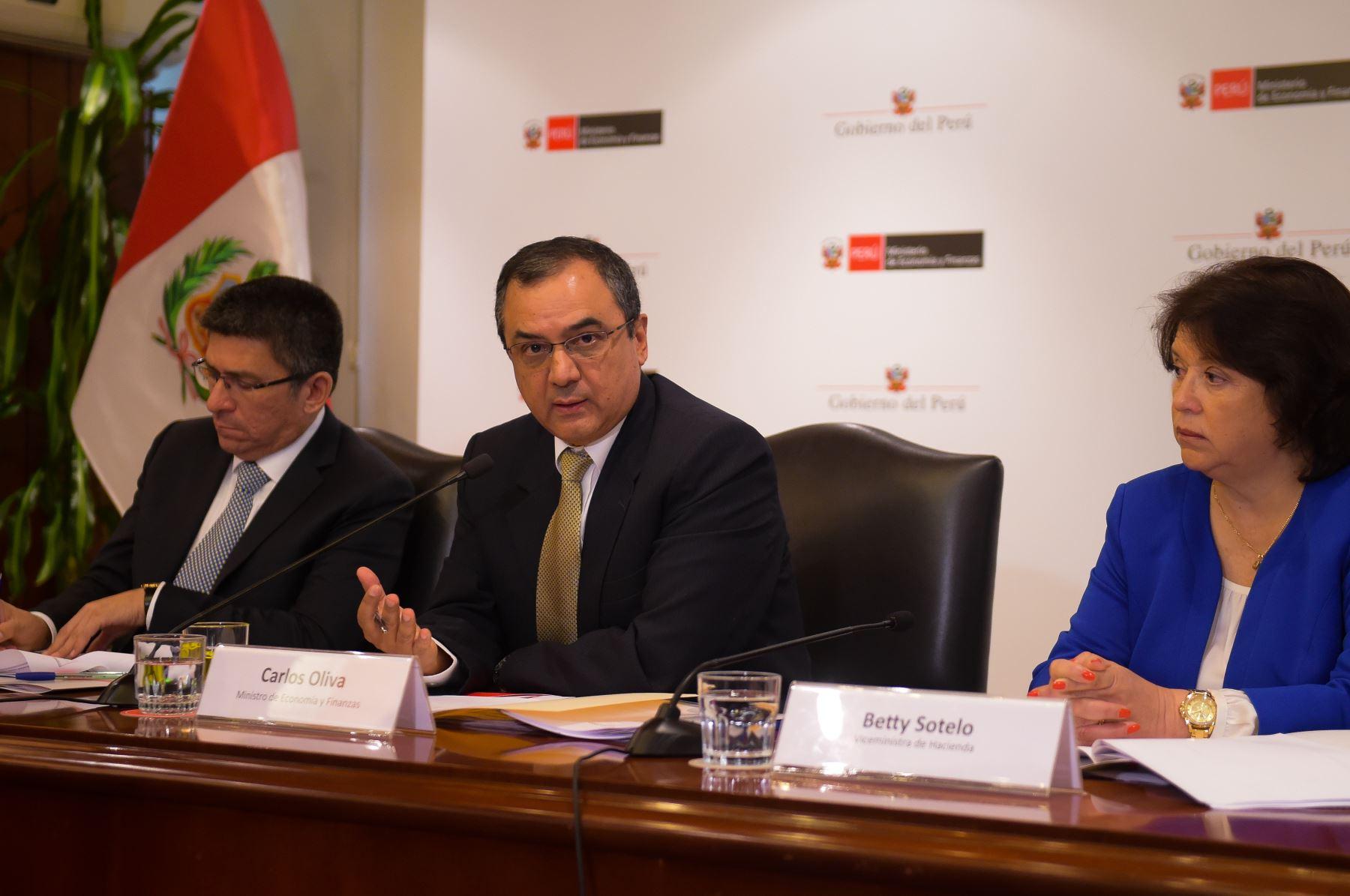 Ministro de Economía y Finanzas, Carlos Oliva. ANDINA/Difusión