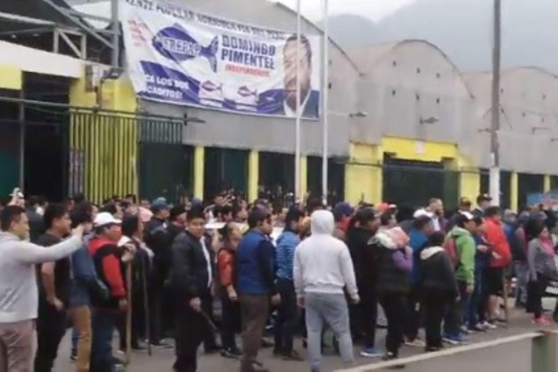 Reportan balacera entre comerciantes en el Mercado Central de Independencia