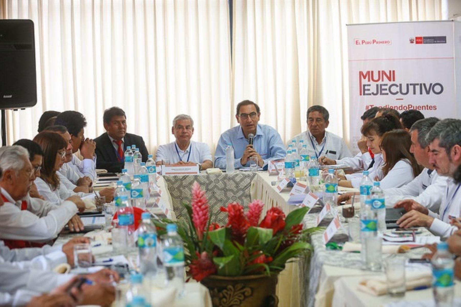 Presidente del Consejo de Ministros, César Villanueva, participa en Muni Ejecutivo realizado en Puerto Maldonado.