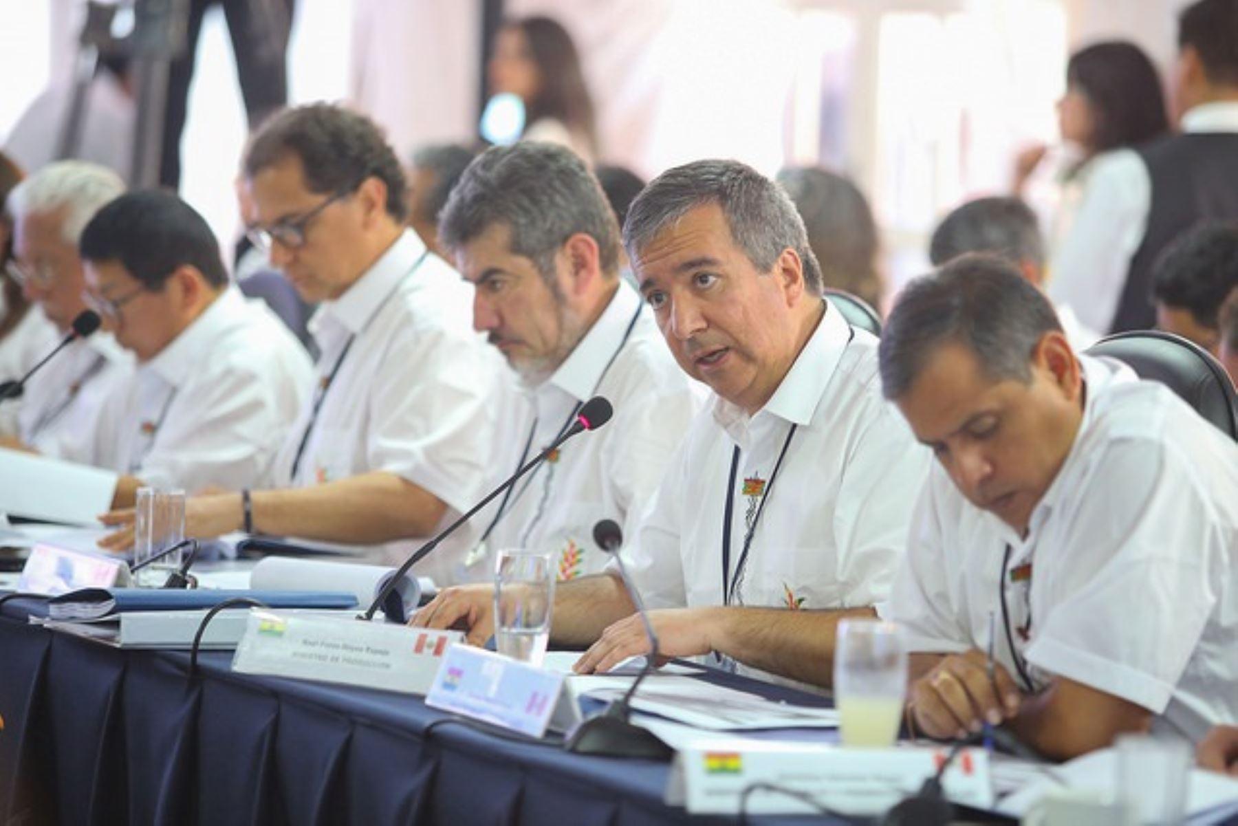 Ministro de la Producción, Raúl Pérez-Reyes en IV Gabinete binacional Perú - Bolivia. Foto: Cortesía.