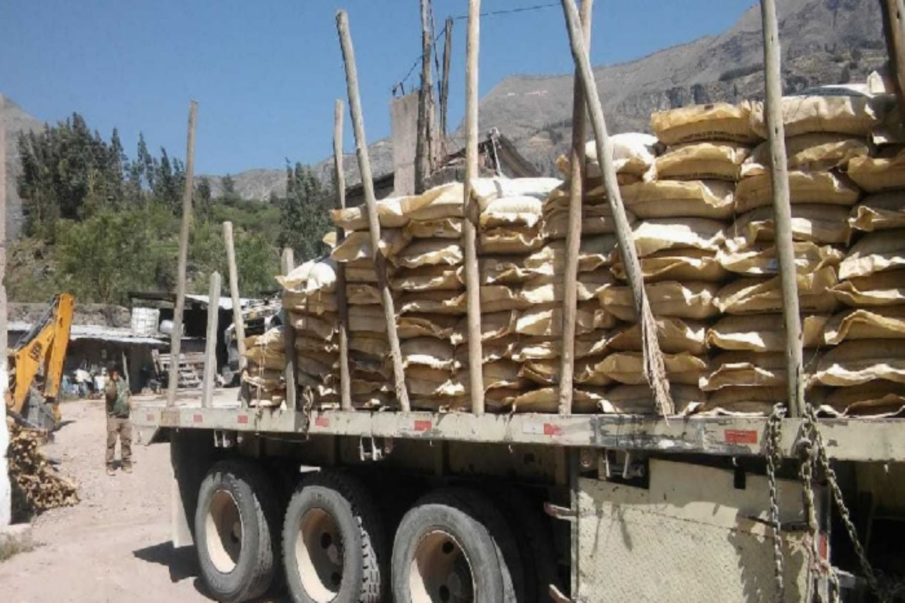 Minagri distribuye en Arequipa 200 toneladas de guano de las islas