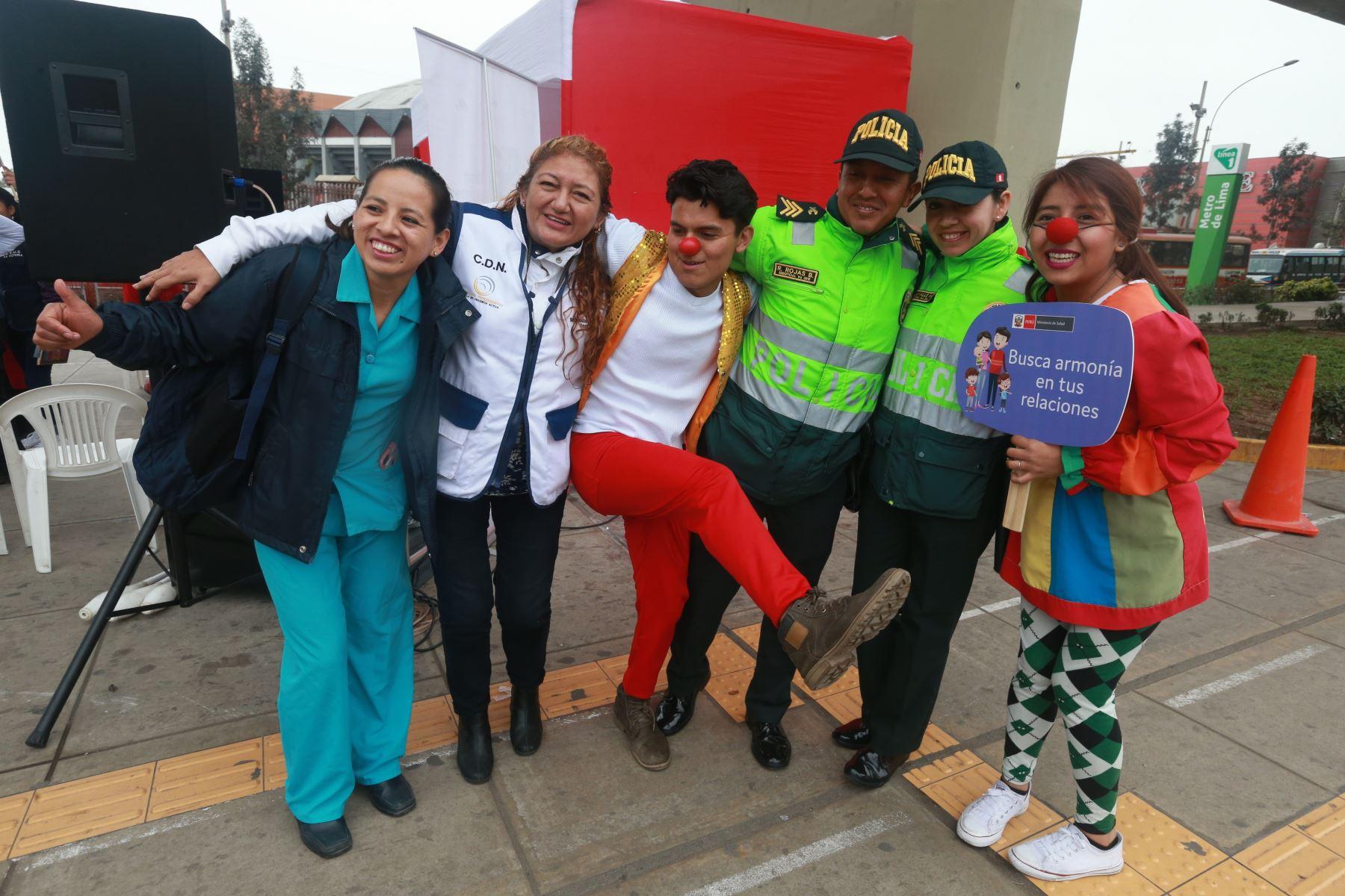Jornada de consejería y abrazoterapia por el Día Mundial de Prevención del Suicidio organizada por Ministerio de Salud. Foto: ANDINA/Vidal Tarqui