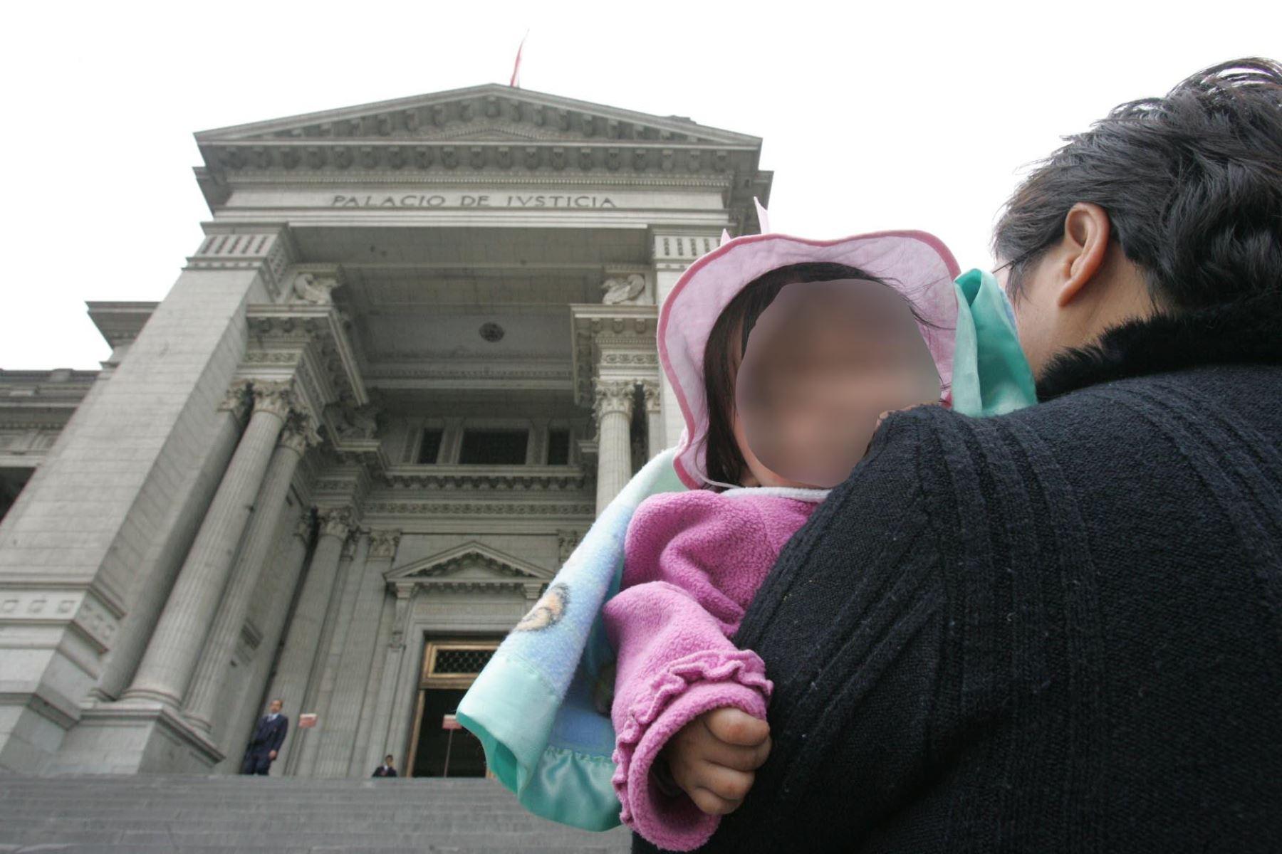 Madre solicita pensión por alimentos para su hija ante Poder Judicial. Foto: Difusión