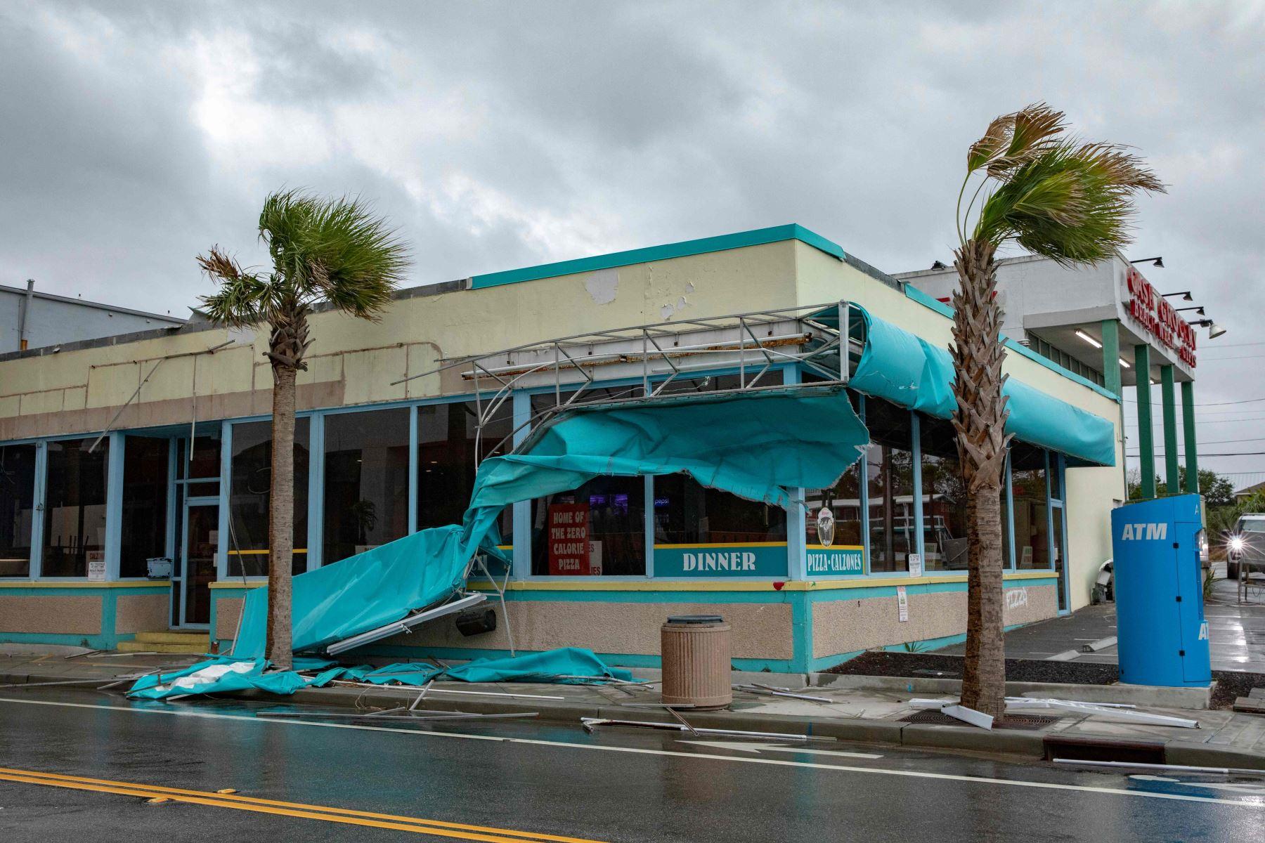 Estragos del huracán Florence en un restaurante del Carolina del Norte Foto: AFP