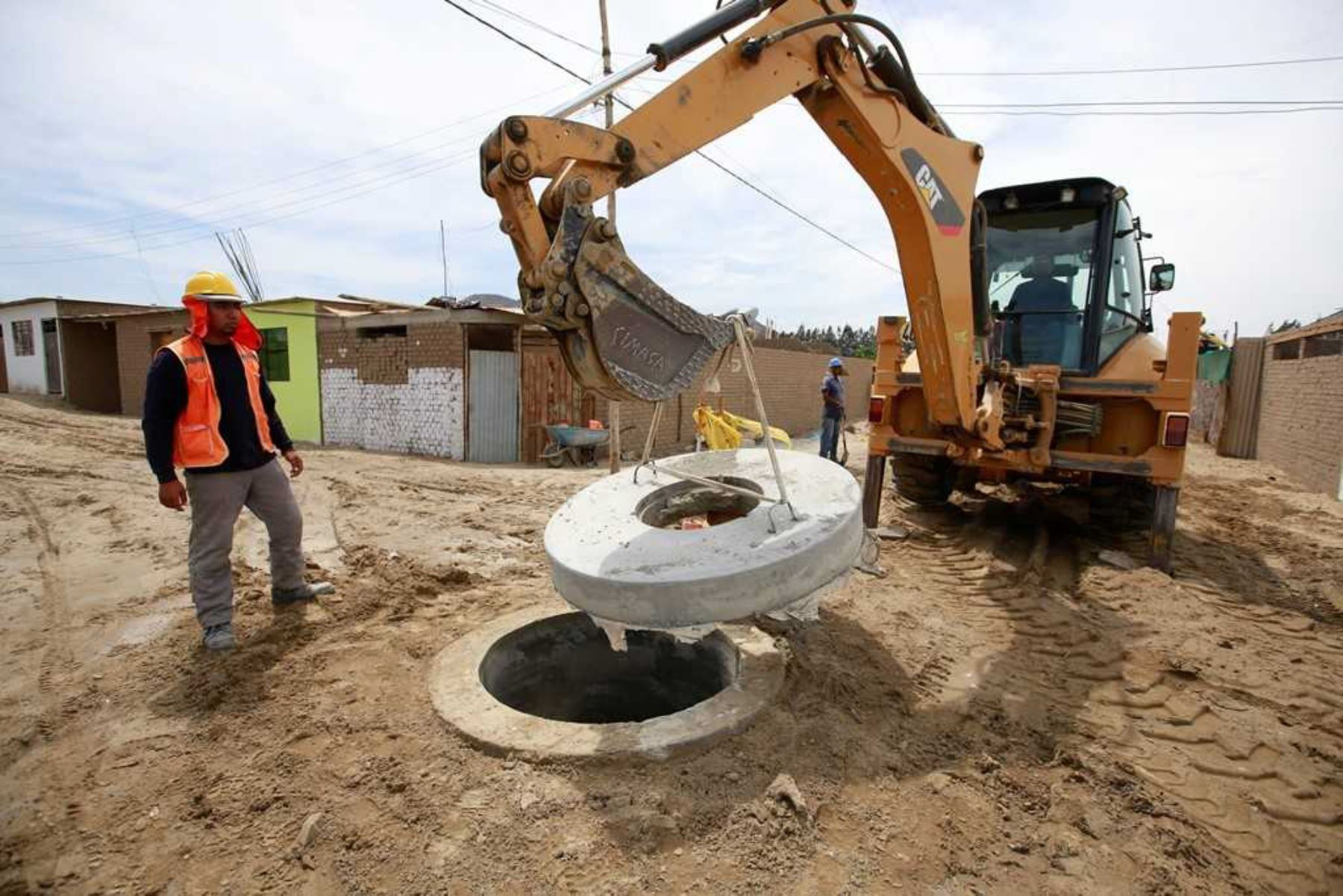 Comunidades rurales de nueve regiones contarán con agua y saneamiento al 100%, gracias al financiamiento de más de 400 millones de soles otorgados por el Banco Interamericano de Desarrollo (BID).