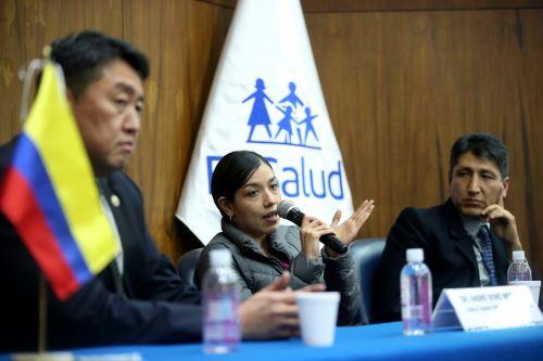 Almenara clausura evento científico de trasplantes de intestinos en el Perú