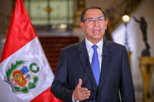 Presidente  Vizcarra plantea cuestión de confianza al Congreso por reformas