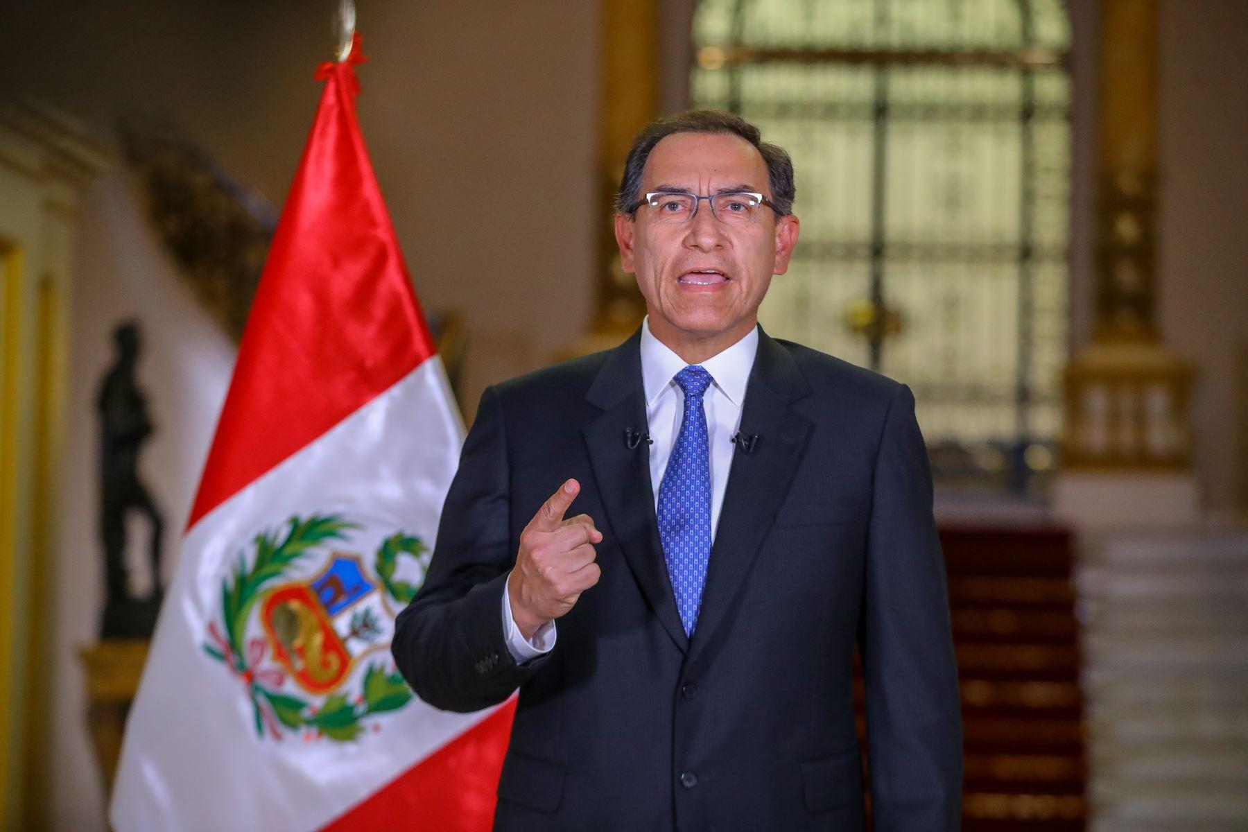 Martín Vizcarra solicita reunirse con voceros de bancadas — Cuestión de confianza