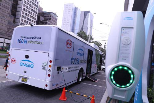 Minem lanza el primer bus eléctrico en circulación en Lima