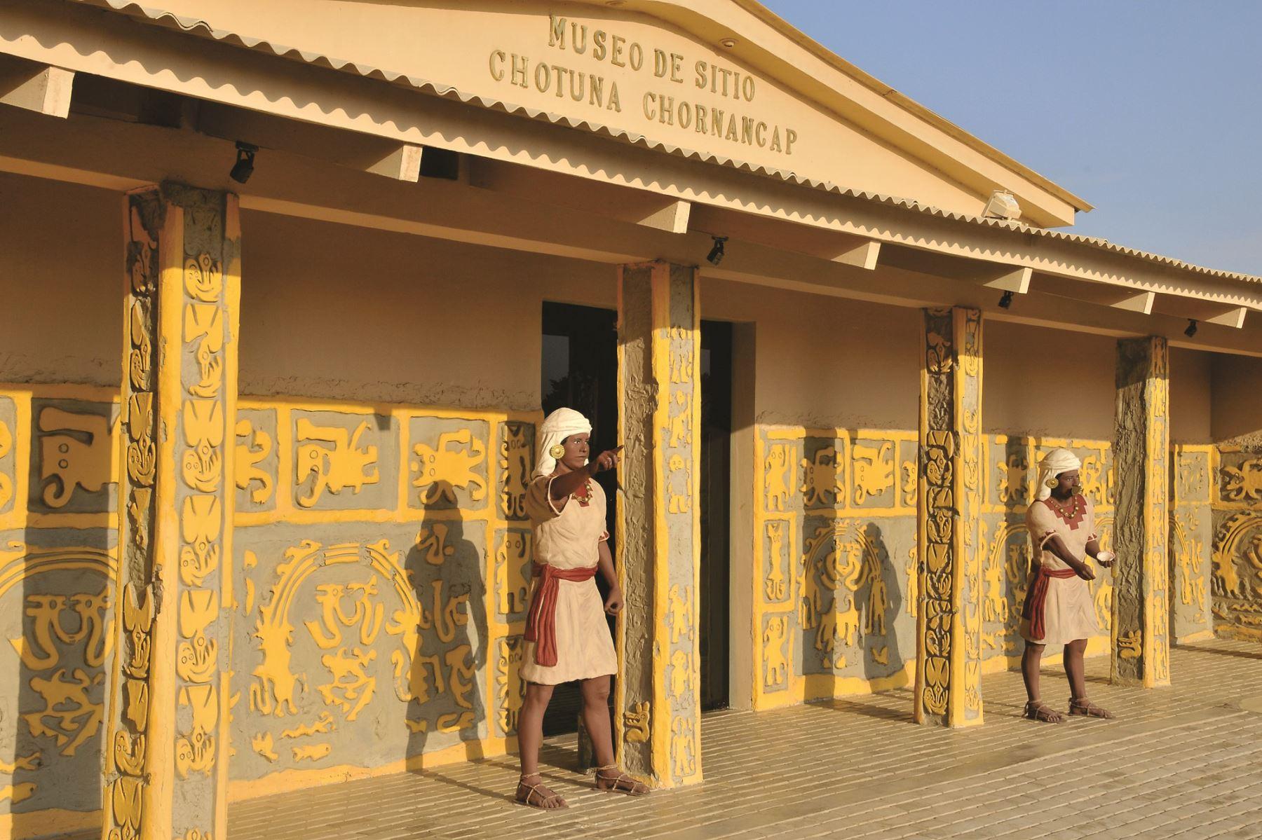 Museo de Sitio Chotuna-Chornancap, en la región Lambayeque, fue construido con adobe, caña y barro.