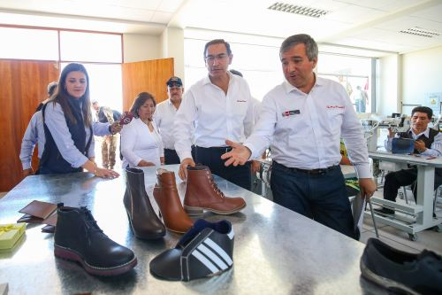 Presidente Vizcarra,visitò centro de innovación productiva y tecnológica de cuero y calzado, en Arequipa