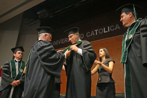 Presidente Vizcarra recibiò el grado académico extraordinario de Doctor Honoris Causa de la UNSM de Arequipa