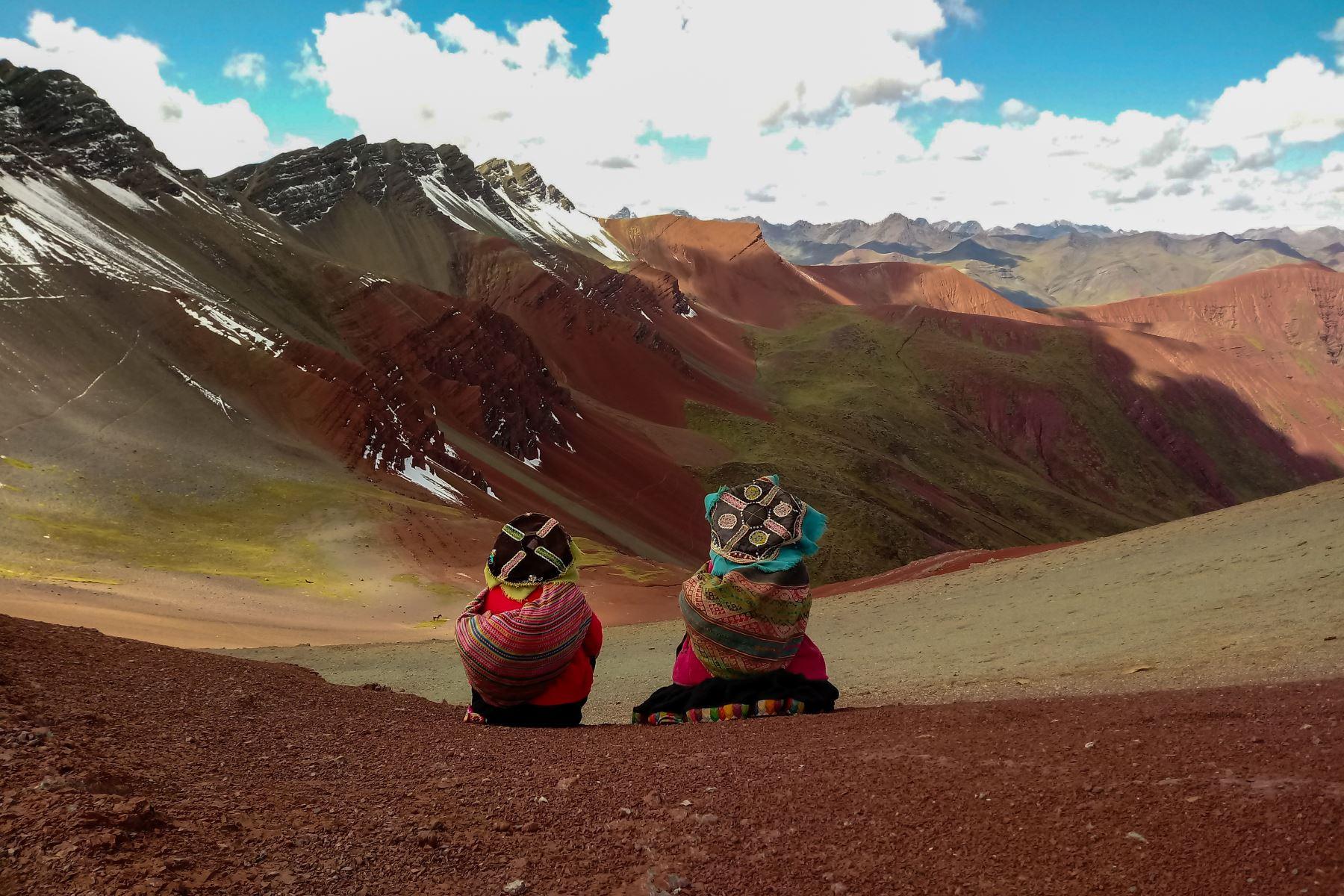 Cusco implementa nueva ruta de acceso a la montaña Vinicunca. ANDINA/Difusión