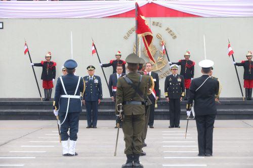 Presidente Vizcarra encabeza ceremonia central por el Día de las Fuerzas Armadas