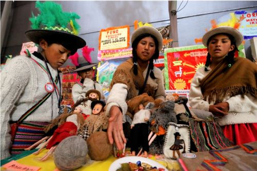 Minedu aprueba modelos de educación intercultural bilingüe