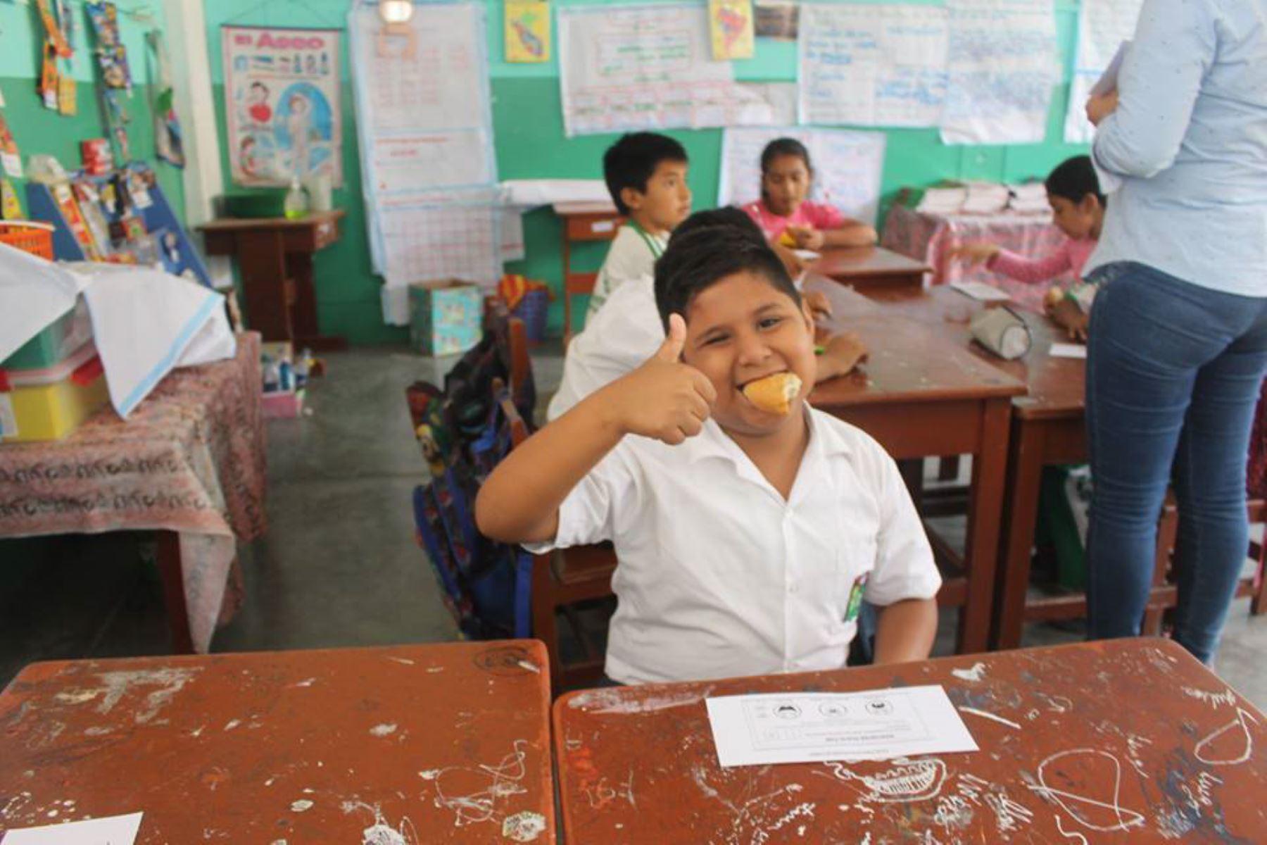 Más de 150 usuarios de Qali Warma de la provincia Tumbes ya han probado el pan de pulpa de plátano con ajonjolí.