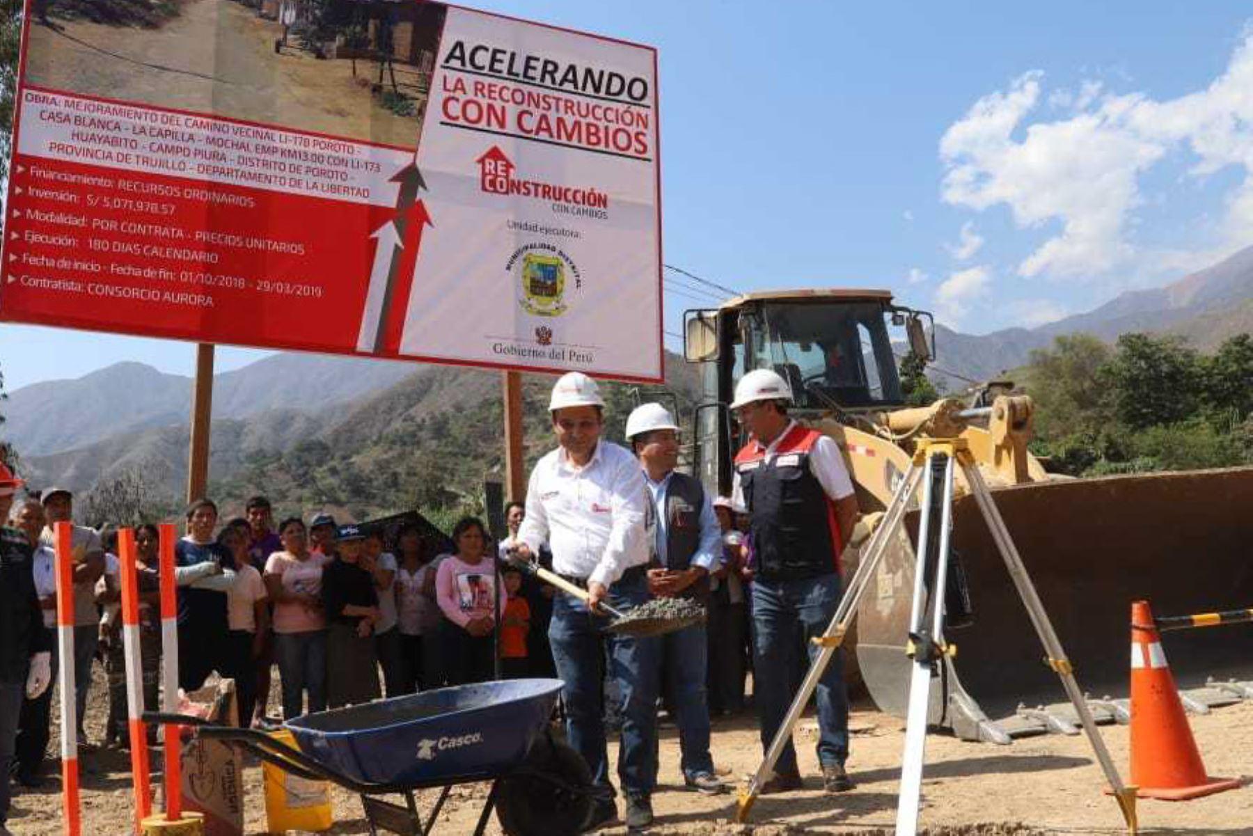 Con gran beneplácito se inició la reconstrucción de dos importantes caminos vecinales del distrito de Poroto, en la región La Libertad, por un total de 16 kilómetros, lo que permitirá incentivar el restablecimiento del turismo interno y el transporte de frutales.