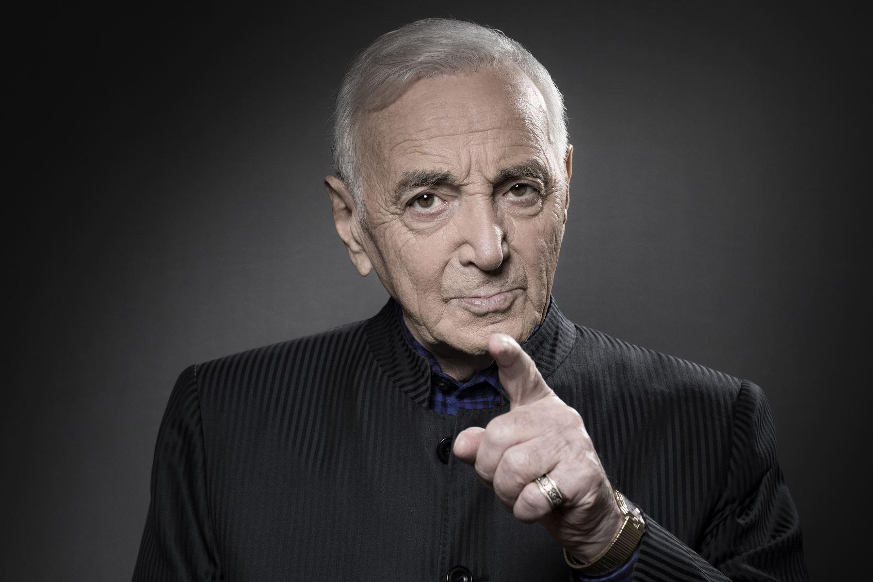 A los 94 años falleció el cantante francés Charles Aznavour
