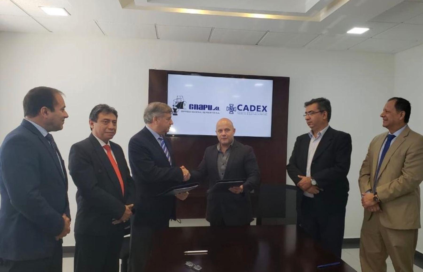 Enapu y representantes empresariales de Bolivia firman convenio. Foto: Cortesía.