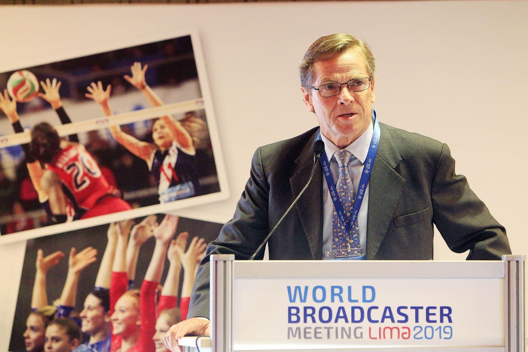 Neuhaus preside las reuniones con  broadcasters de todo el mundo
