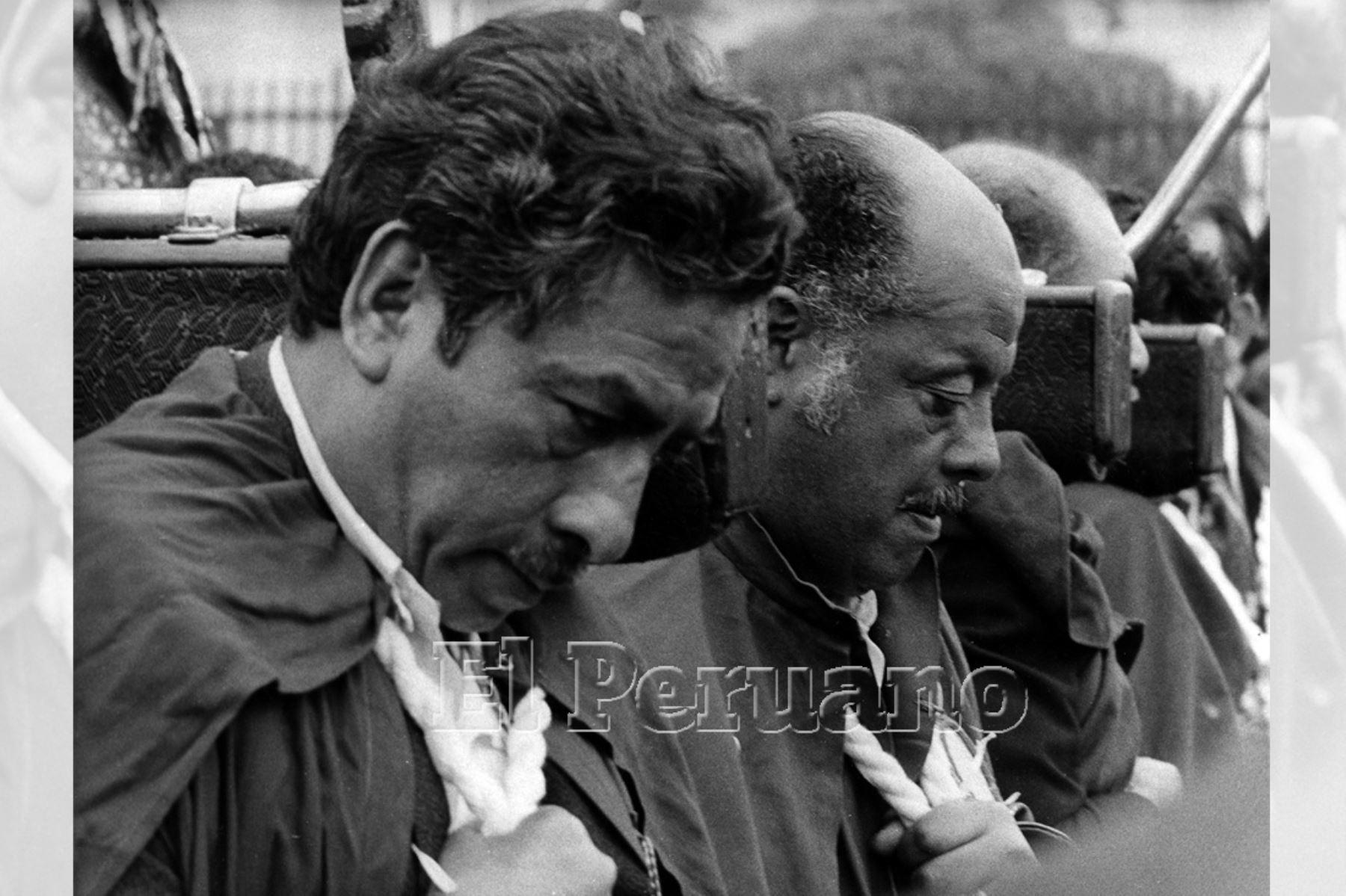 Lima - 18 octubre 1978 / Cuadrilla de cargadores del Señor de los Milagros.  Foto: Archivo Histórico de EL PERUANO