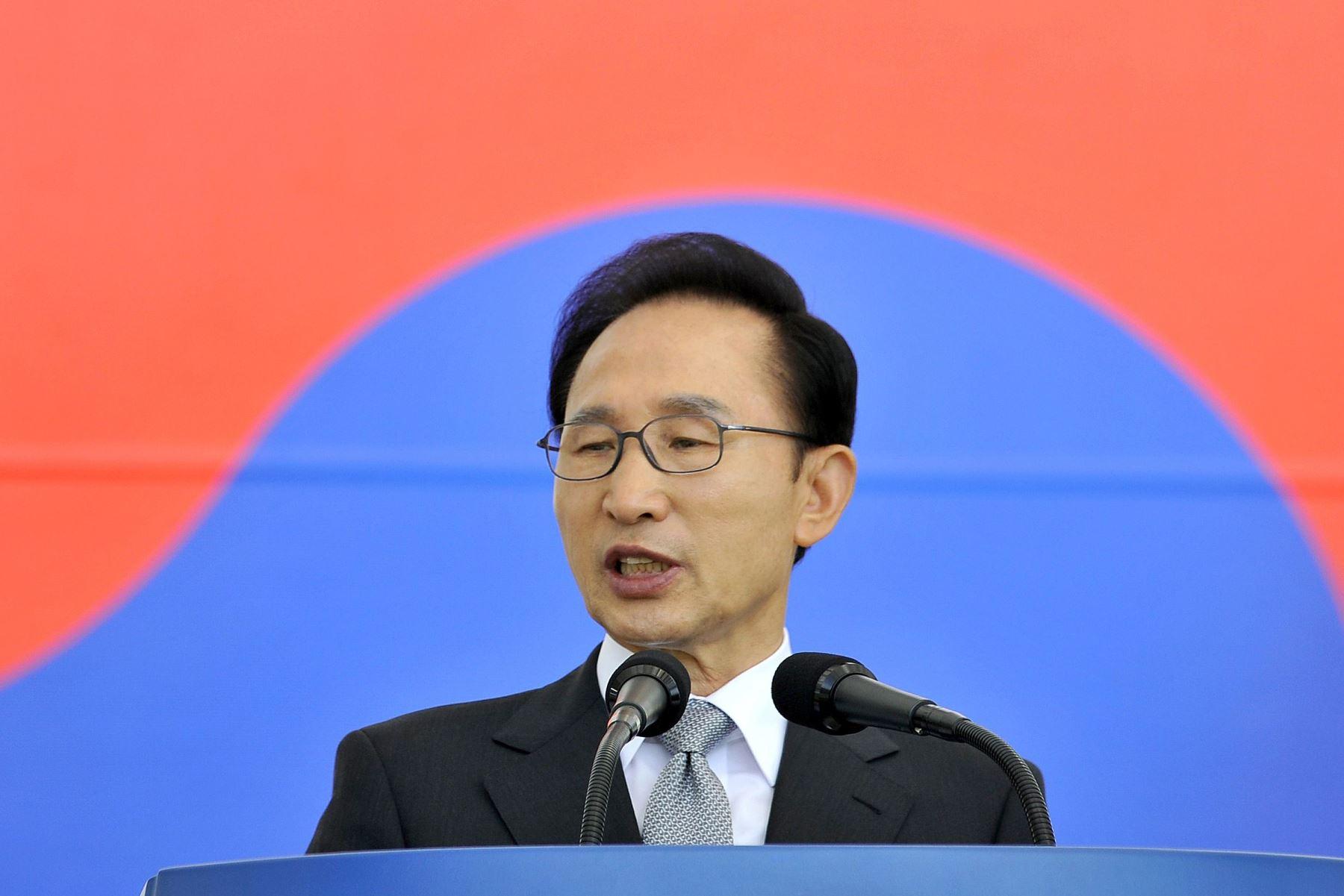 Dan 15 años de prisión al expresidente surcoreano Lee Myung-bak