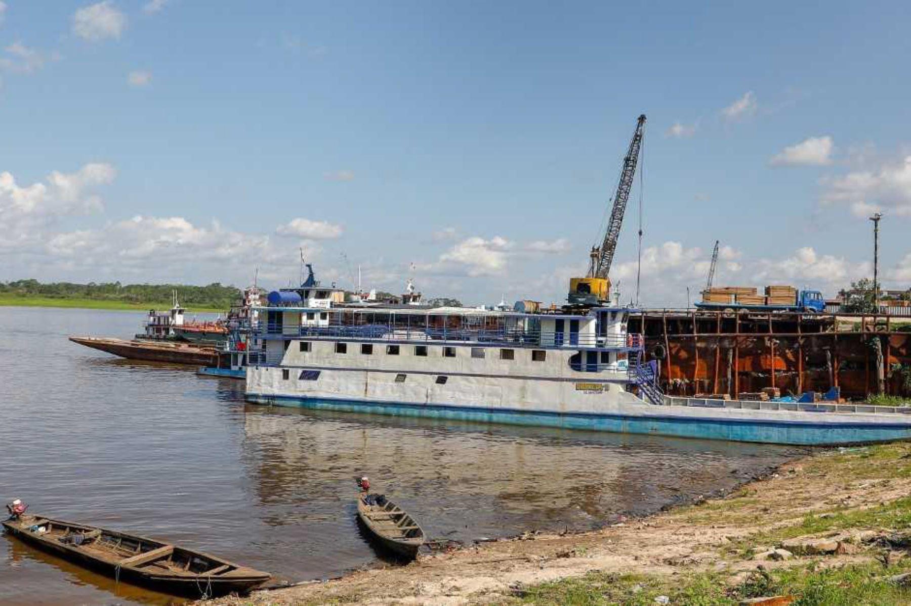 El Organismo Nacional de Sanidad Pesquera (Sanipes) del Ministerio de la Producción, a través de su Oficina Desconcentrada en Iquitos continúa con el ordenamiento sanitario del desembarque y comercialización de productos hidrobiológicos, en el Desembarcadero Pesquero Artesanal La Punchana.