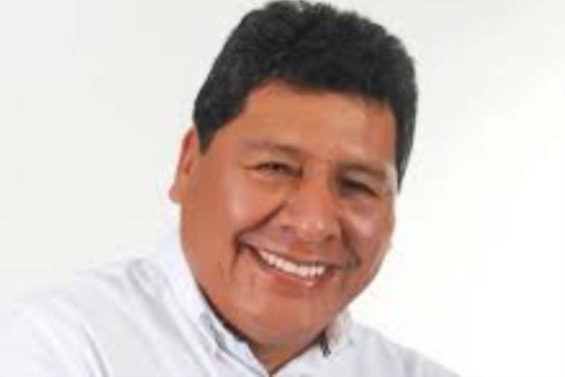 """Javier Gallegos (Obras por la Modernidad) sería el virtual nuevo gobernador regional de Ica, al haber logrado el 35.6% de los sufragios en los comicios de hoy, según la encuesta """"a boca de urna"""" realizada por la empresa encuestadora Ipsos."""