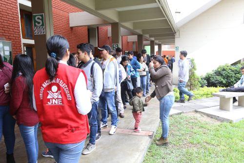 Autoridades liberteñas destacan proceso de referéndum.Foto:  ANDINA/Difusión