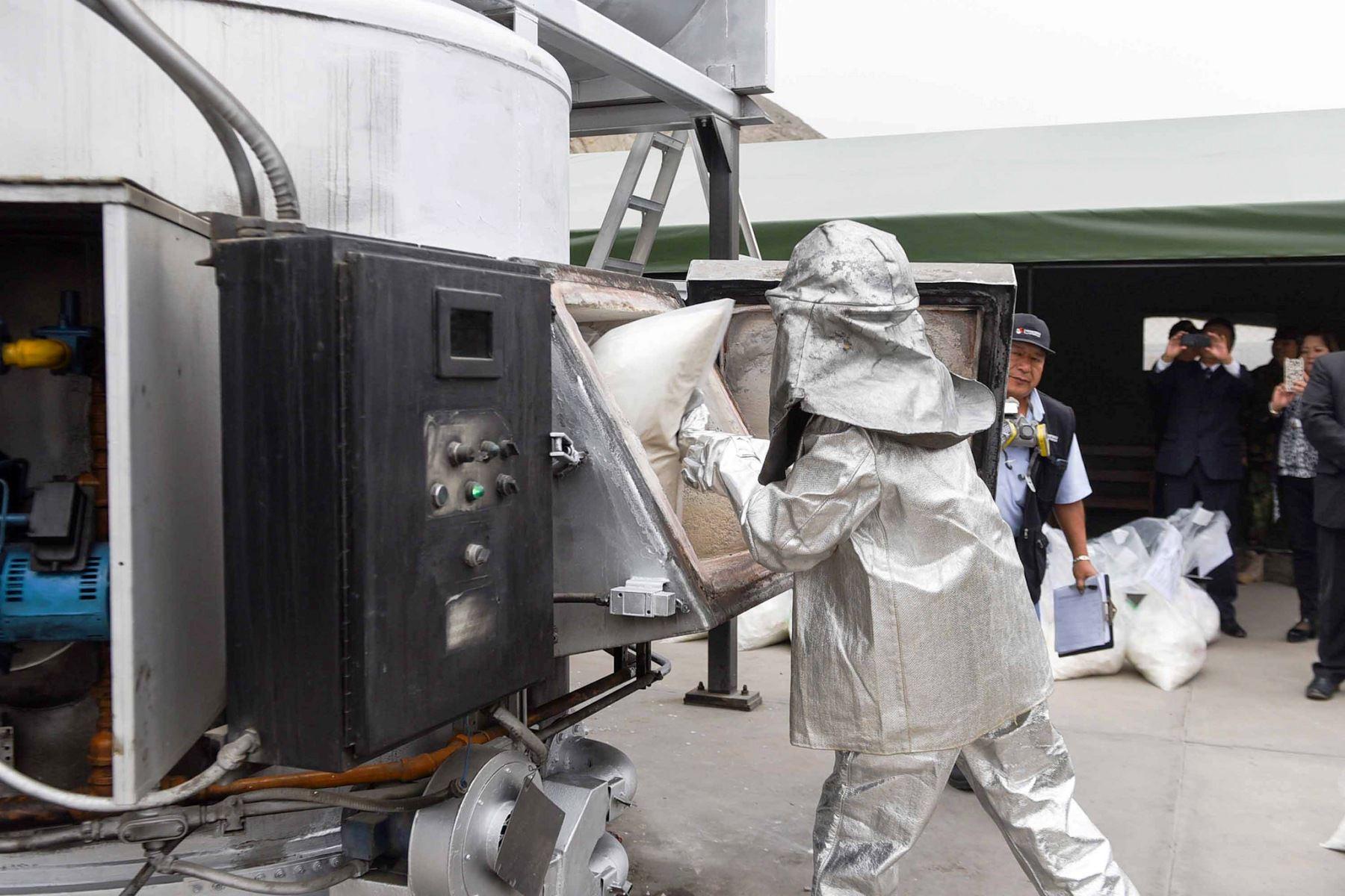 Incineran más de 25 toneladas de droga decomisada por la Policía. Foto: ANDINA/Difusión.