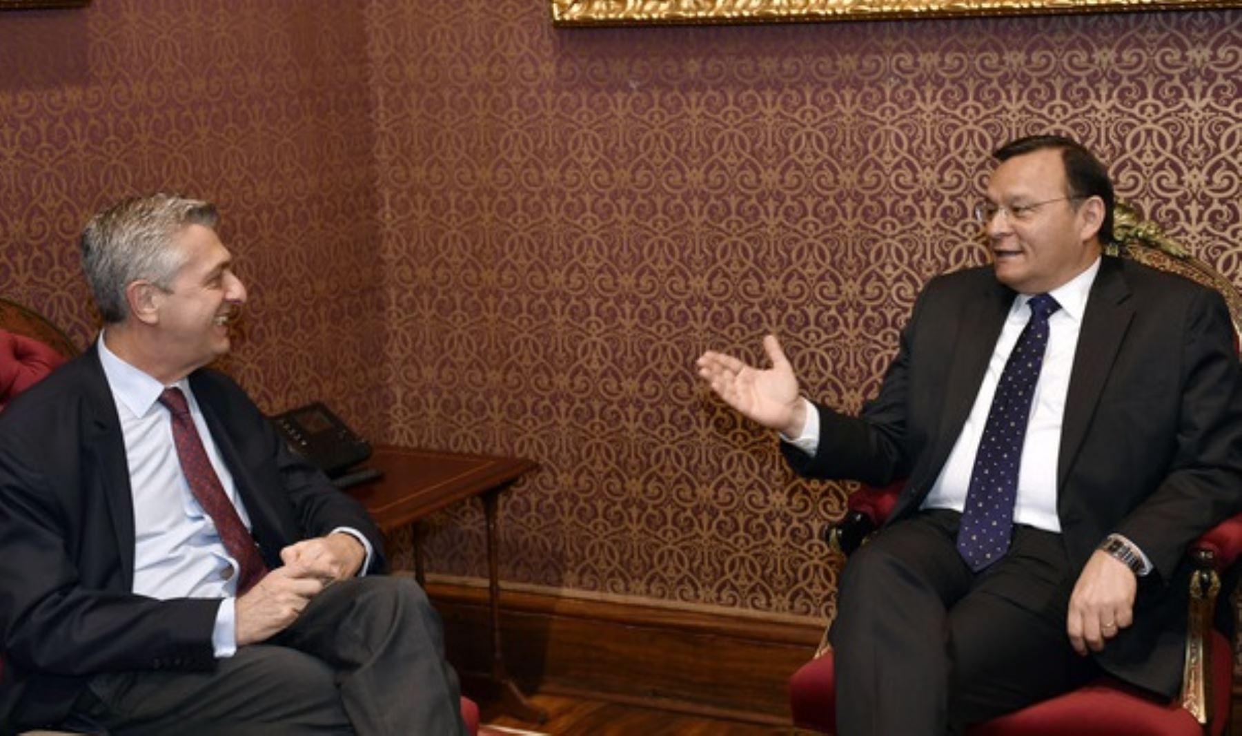 Canciller de Ecuador se reunirá con jefe de ACNUR