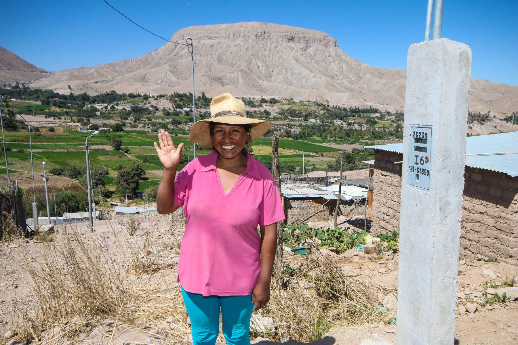 Ministerio de Energía y Minas transfiere recursos para ejecutar más proyectos de electrificación rural en las regiones de Tacna, Moquegua, San Martín y Cusco.