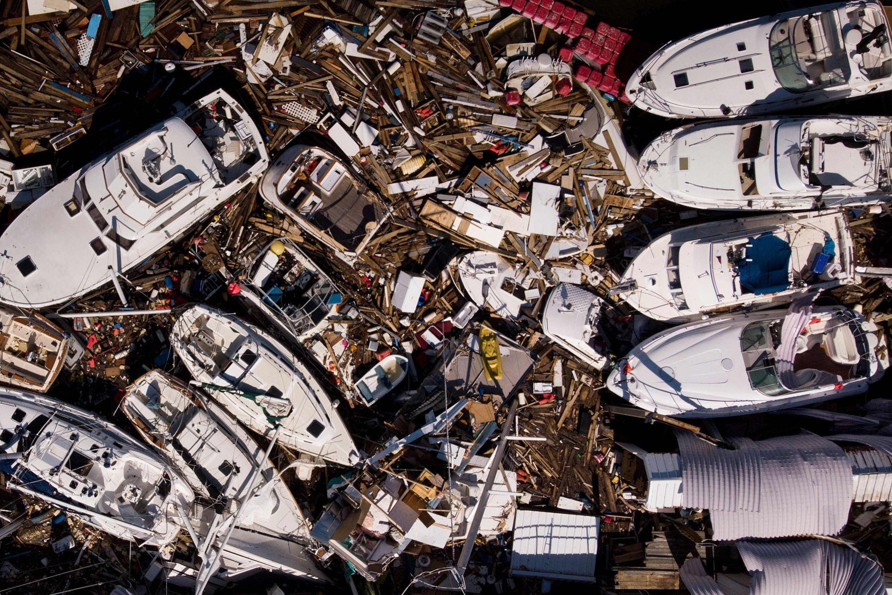 En esta vista aérea, se ven botes dañados por las tormentas después del huracán Michael Foto: AFP