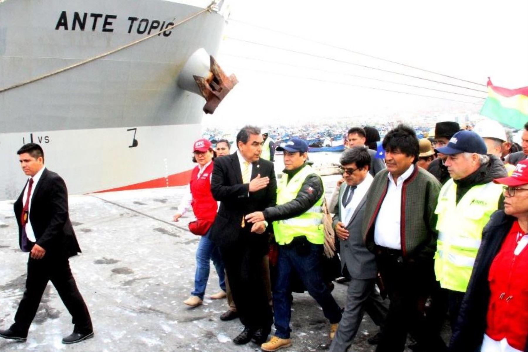 El presidente de Bolivia, Evo Morales, visitó hoy la ciudad y el puerto de Ilo, en la región Moquegua, donde destacó la importancia de dicho terminal marítimo del sur peruano para el desarrollo comercial y económico boliviano. Foto: Facebook/ Municipalidad Provincial de Ilo.
