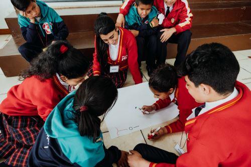 Encuentro Tinkuy 2018 con alumnos del colegio Andrés Bello