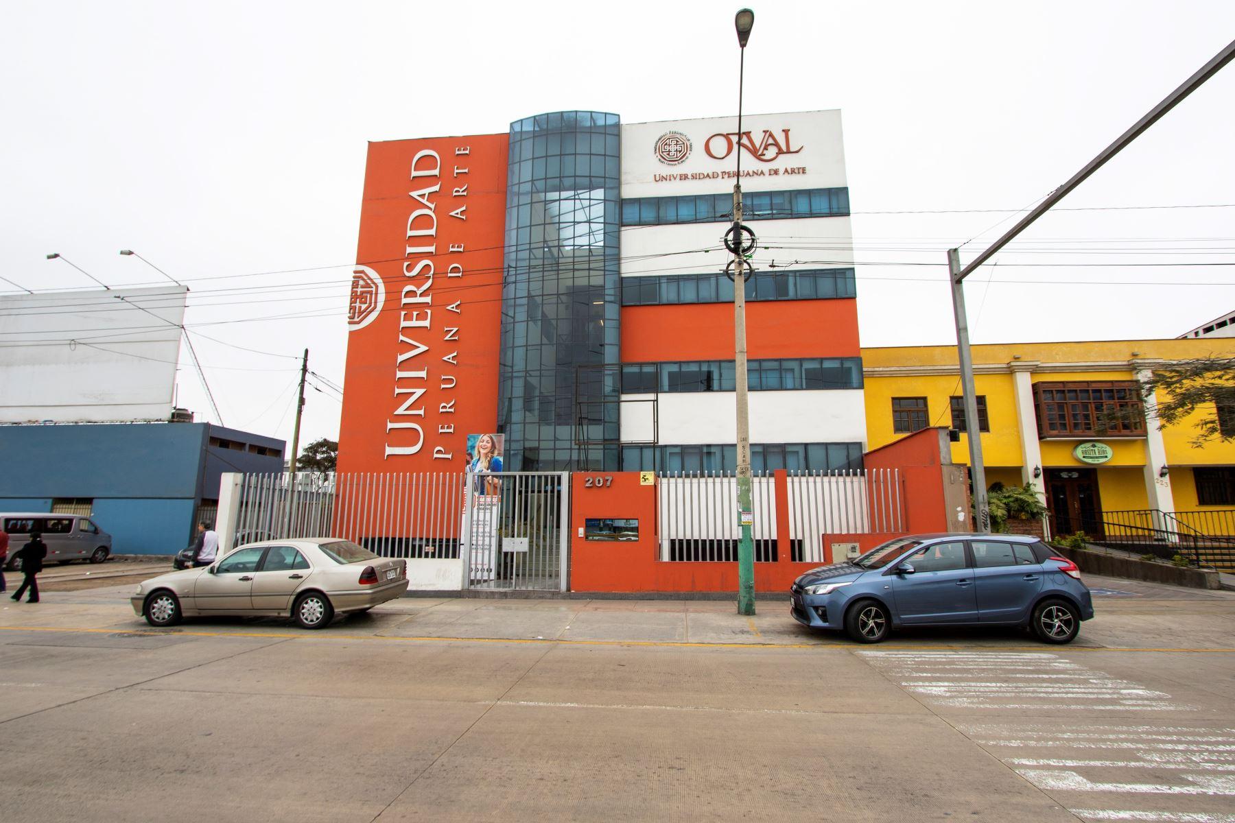Universidad Orval, la primera en cerrar por carecer del licenciamiento de la Sunedu.