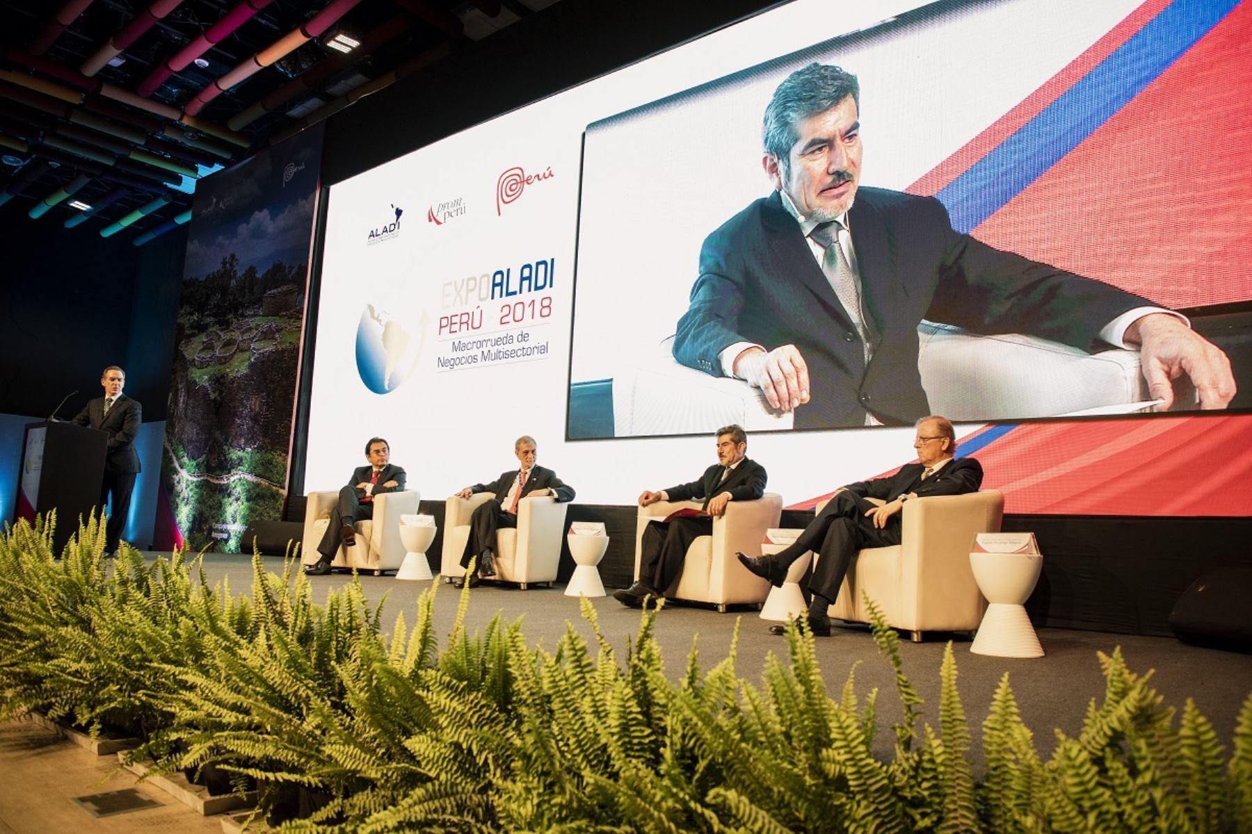 Ministro de Comercio Exterior y Turismo, Rogers Valencia participa en EXPO ALADI - Perú 2018. Foto: Cortesía.