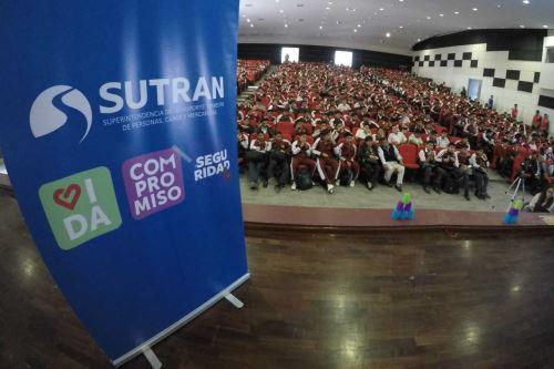 Sutran realiza acciones descentralizadas para promover seguridad en vías nacionales