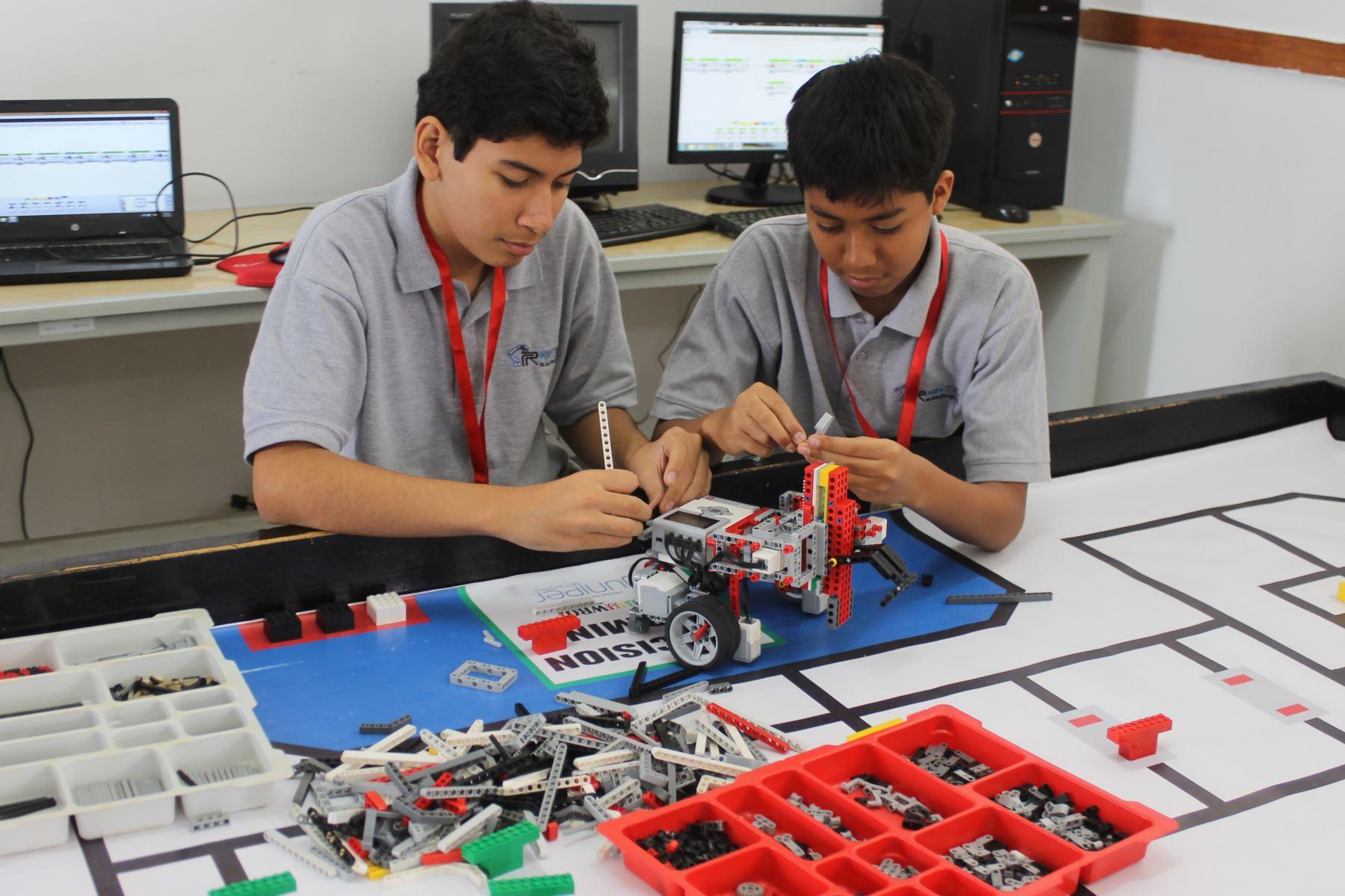 De Piura a Tailandia: escolares competirán en mundial de robótica. ANDINA/Difusión