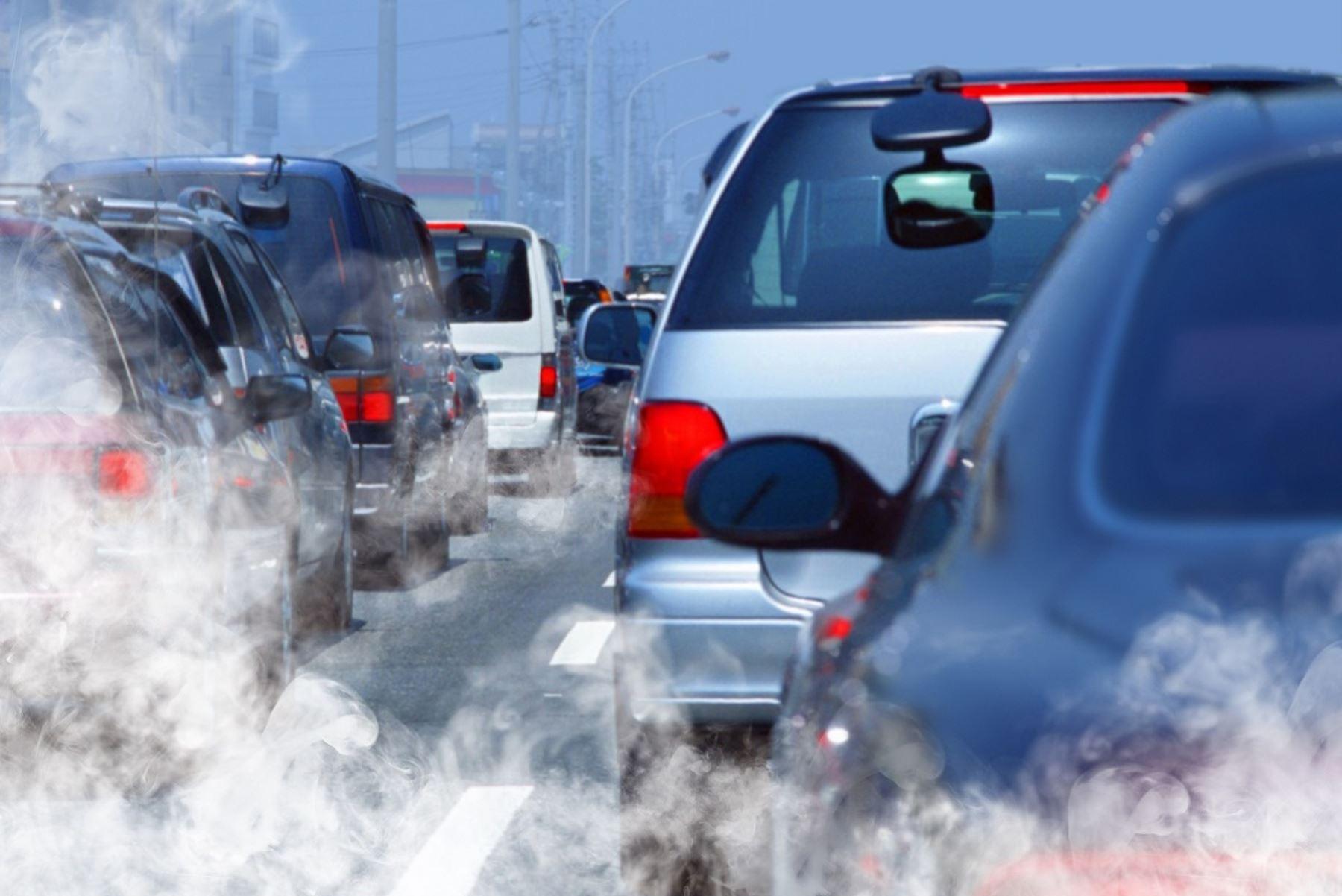 Vehículos causan la mayor cantidad de contaminación ambiental en Lima. Foto: ANDINA/Difusión.