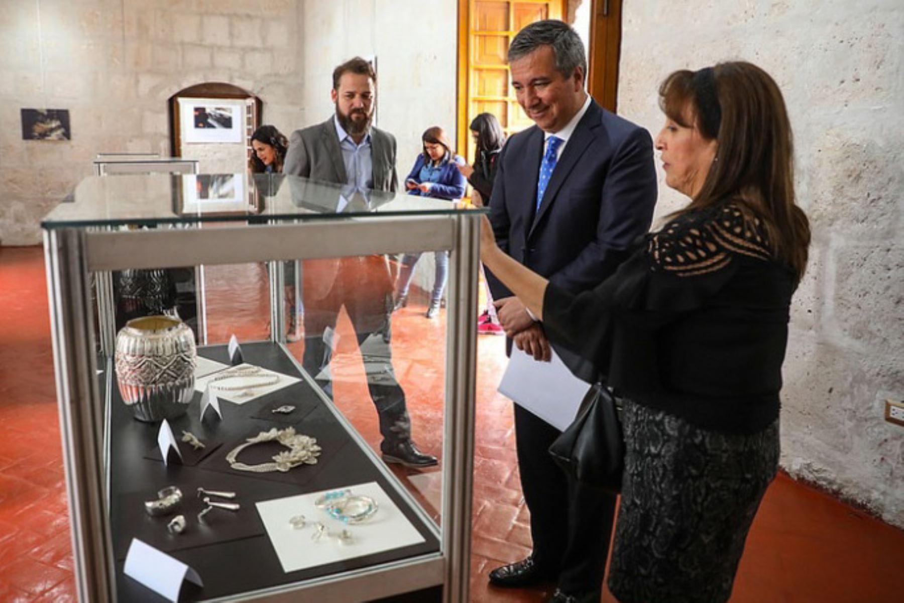 El ministro de la Producción, Raúl Pérez-Reyes destacó que la joyería industrial ha crecido a un ritmo de 77% en los últimos años en el país y genera alrededor de 25,000 puestos de trabajo.