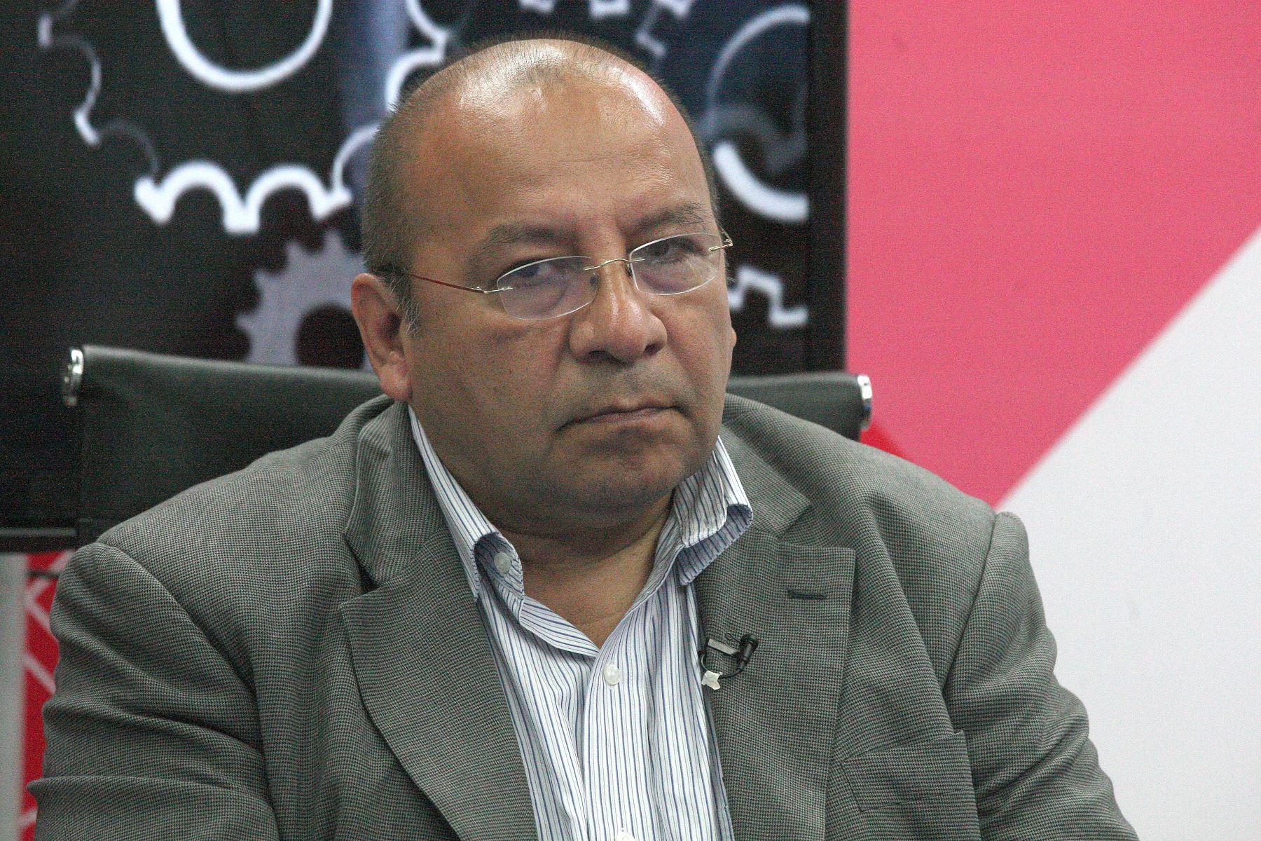 Burneo: permanencia de Pedro Francke en MEF ayuda a dar estabilidad