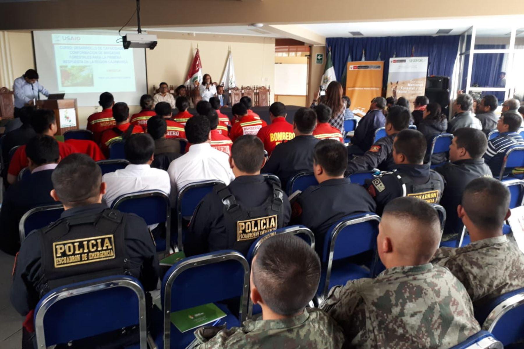 Capacitan a guardaparques de Cajamarca para combatir incendios forestales. ANDINA/Difusión