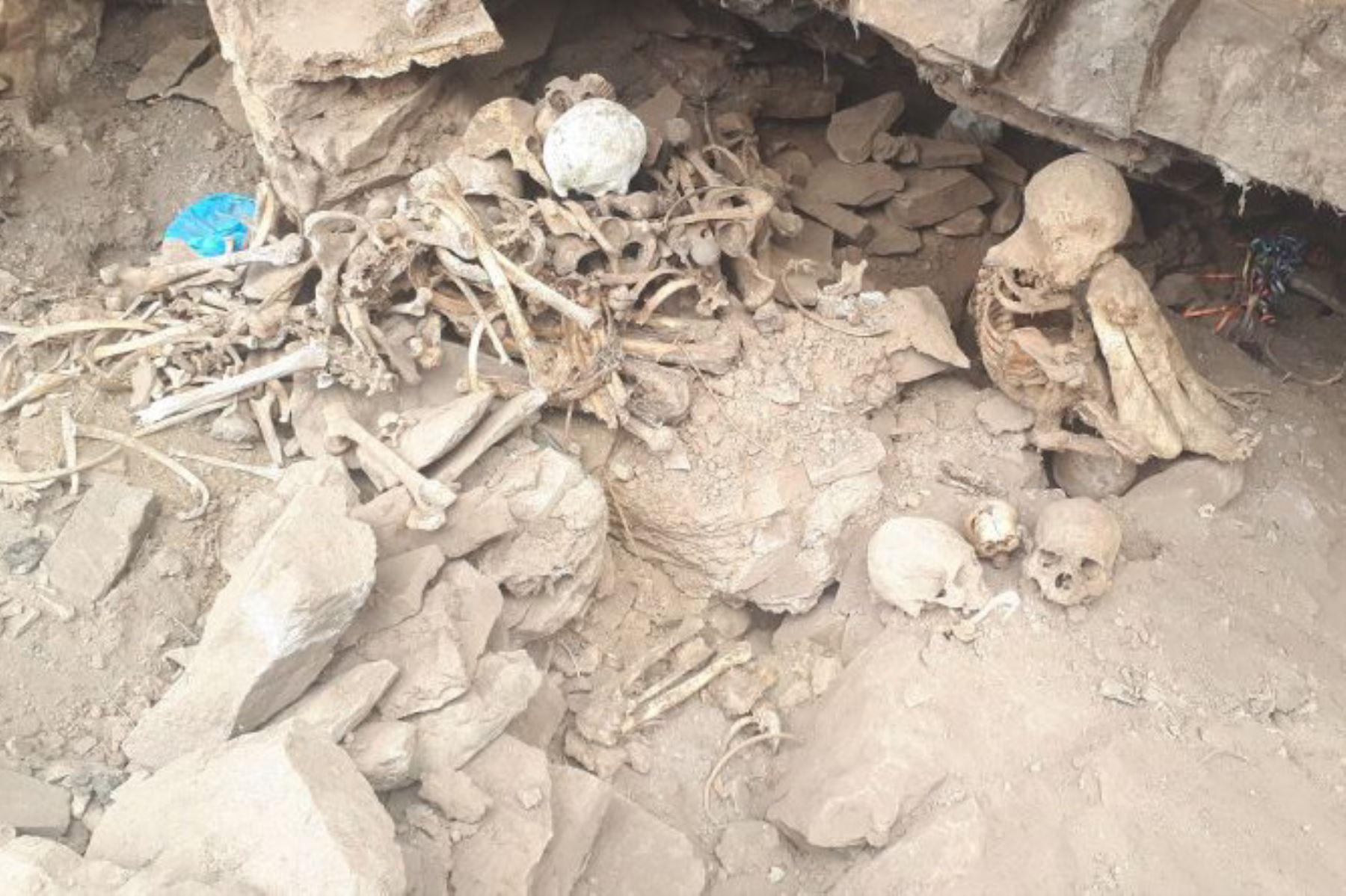 Huaqueros destruyen 6 tumbas de cementerio prehispánico
