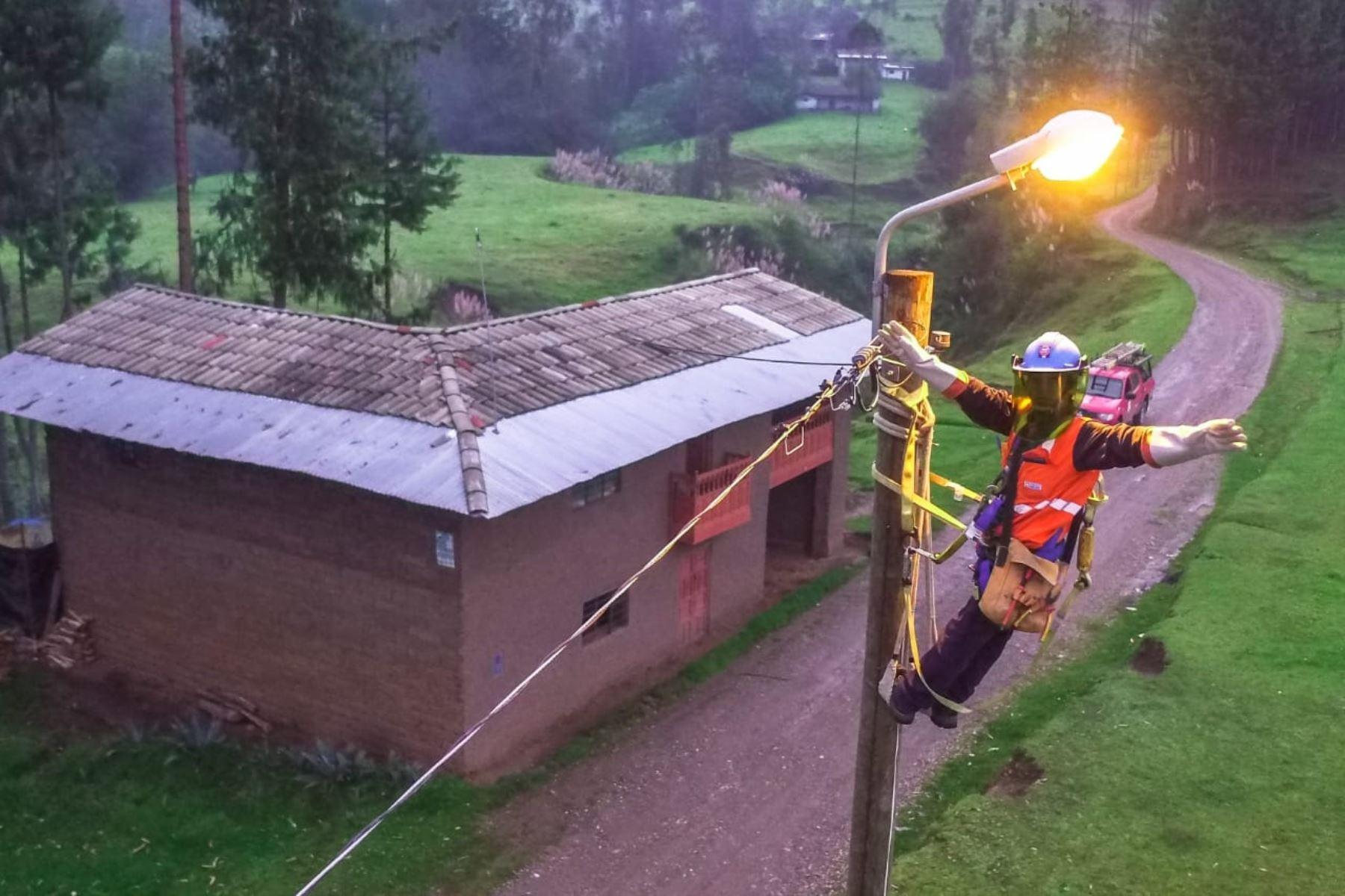 Electrificación rural. ANDINA/Difusión