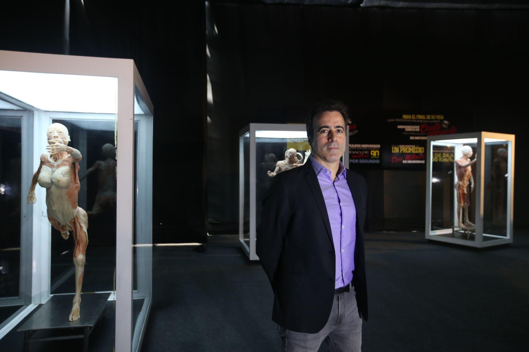 Hernán Ganchegui Director General de  Exposición de Cuerpos Humanos en Jockey Plaza. Foto: ANDINA/Vidal Tarqui