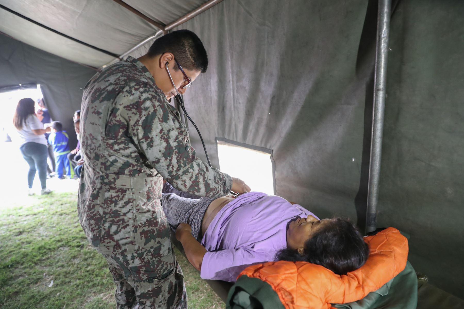 El Ejercito Peruano presente en lanzamiento de campaña de lucha contra la anemia en San Juan de Lurigancho, brindando desayunos, atención médica y orientación para combatir este mal. Foto: ANDINA/Mindef