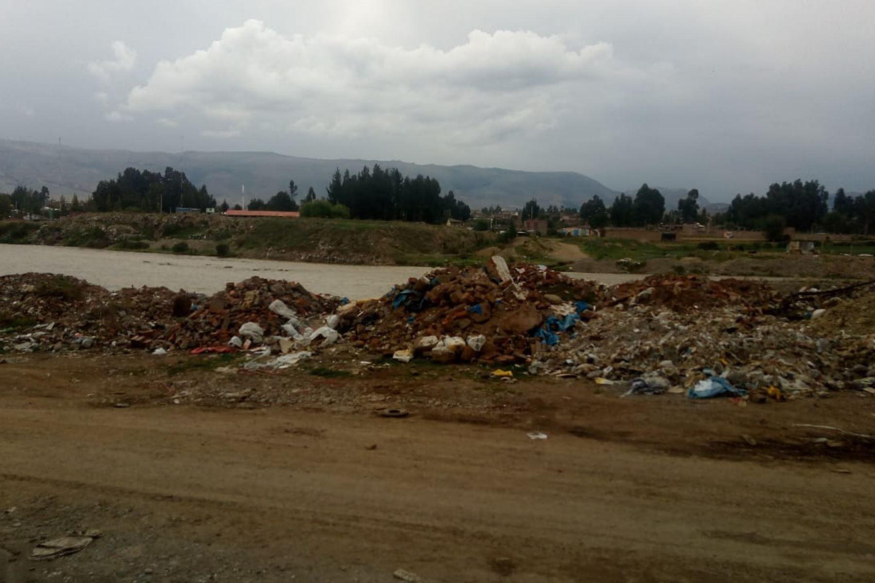 Advierten por contaminación generada por botadero en Huancayo.